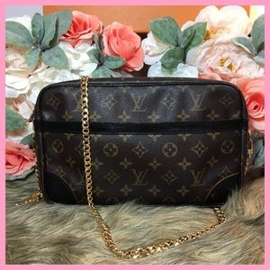 Louis Vuitton Authentic Compiegne Clutch 28